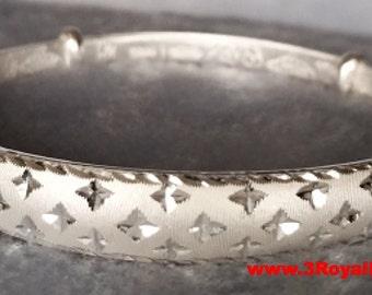 Handmade Stylish Shimmering Stars Design 999 Solid fine Silver Adjustable Bangle