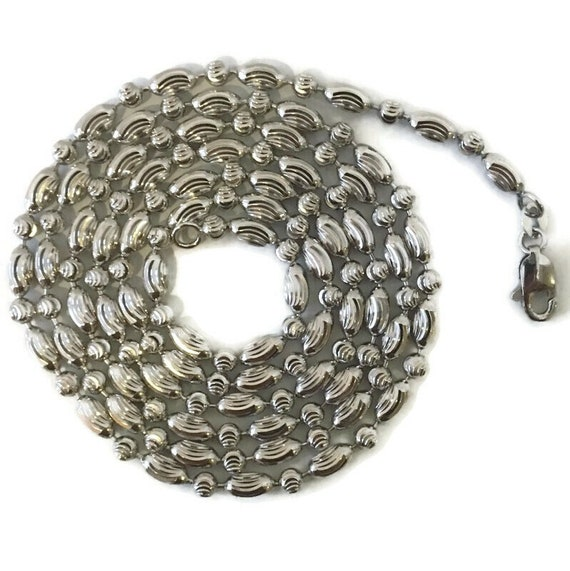 Brand New White gold on Silver Necklace 28 inch diamond cut beads and oval beads chain with lobsterclaw clasp