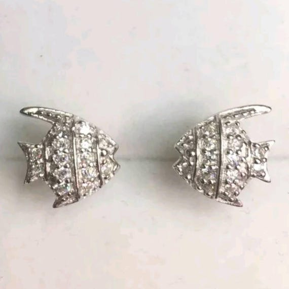 New Cubic Zirconia hand set earring