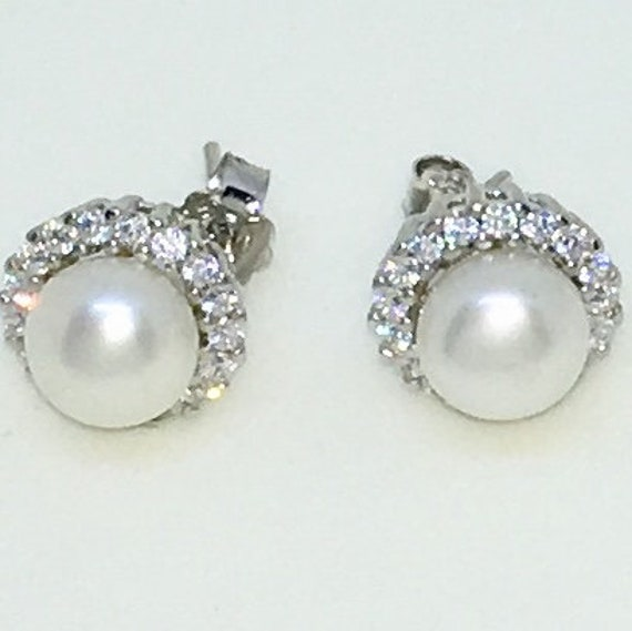 14k White Gold Layered Cupcake shaped CZ with Pearl on 925 Solid Sterling Silver Stud Earrings ( 10 . 4 mm )