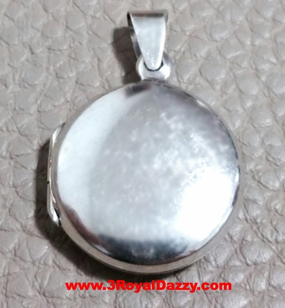 Anti Tarnish Sterling Silver Plain Engraving Round Picture Locket Pendent