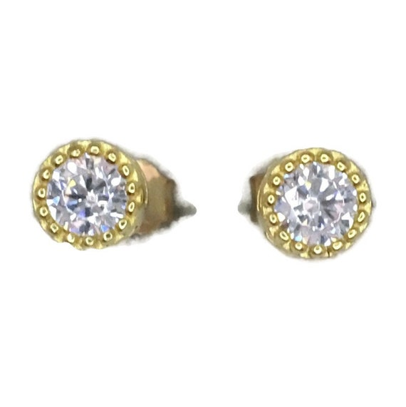 Brand New Yellow gold on 925 Silver Studs Earrings Small circle with round white CZ ( 5 . 4 mm )