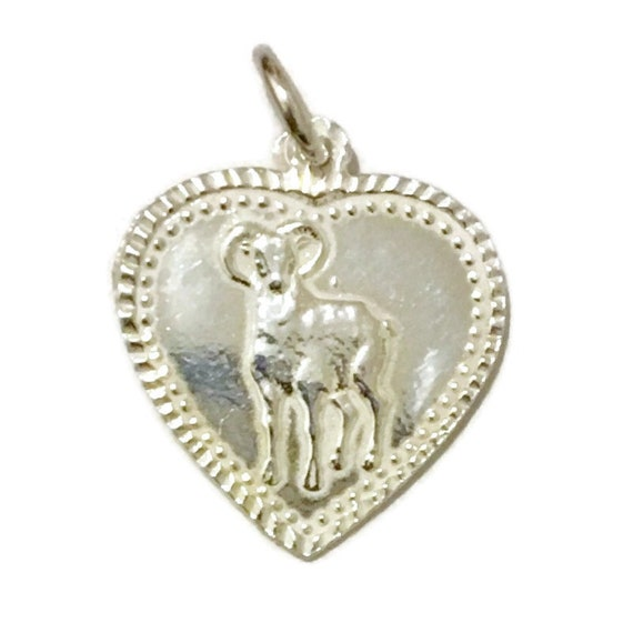 Brand New Anti-tarnish Silver Pendant heart shape with ram or goat and fortune ( 19 . 4 mm )