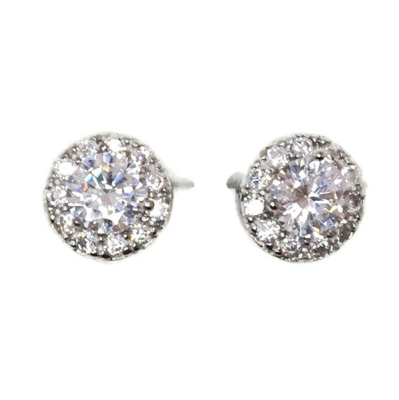 Brand New white gold on 925 Silver Studs Earrings Large center CZ with surrounding small white round CZ ( 8 . 2 mm )