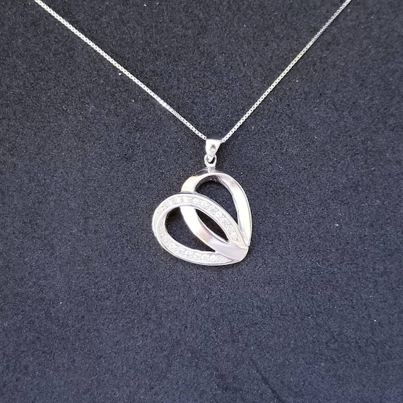 New 14k White Gold On 925 Sterling Silver Simple Heart Shape CZ Stones Pendant Free Chain