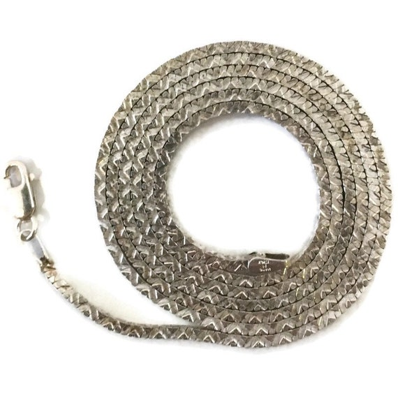 Brand New Anti-tarnish Silver Necklace 22 inch square omega chain with lobsterclaw clasp