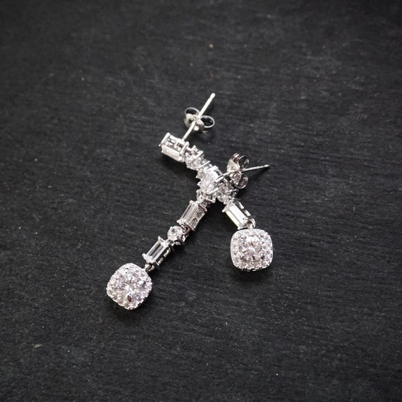 New 14k White Gold on 925 Sterling Silver Dangle Statement Party CZ Earrings ( 7 . 7 mm )