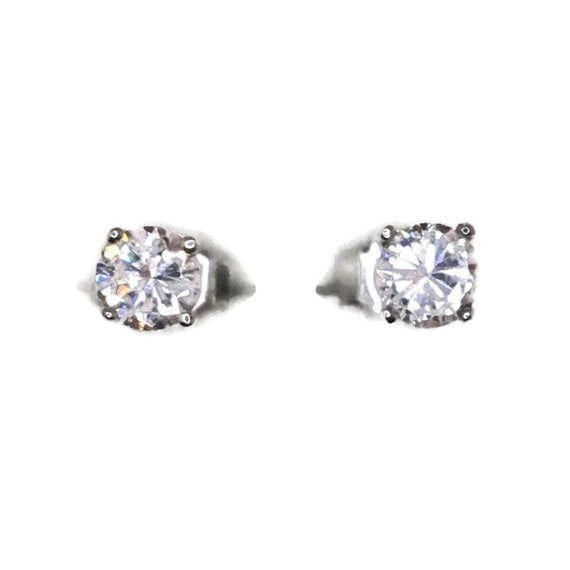 Brand New white gold on 925 Silver Studs Earrings Tiny Four Prong Basket with white round CZ ( 4 . 1 mm )