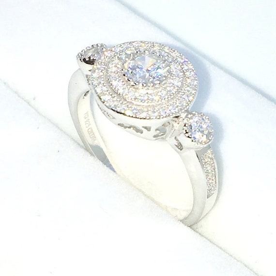 New Handcraft White Gold Plated on Sterling Silver ring band with circular shape and white round CZ