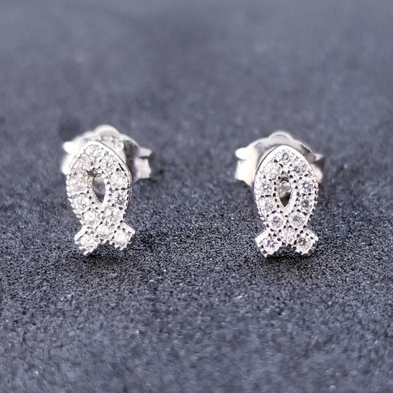 New 14K White Gold on 925 Sterling Silver Cute Ribbon Earrings