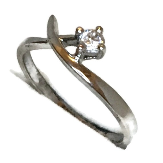 Brand New White Gold on 925 Sterling Silver Teen Ring Band Cross shape round white CZ ( size 6 )