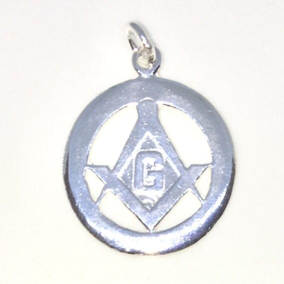 Brand New 925 Solid Sterling Silver Medium Pendant with circle shape Masonry symbol