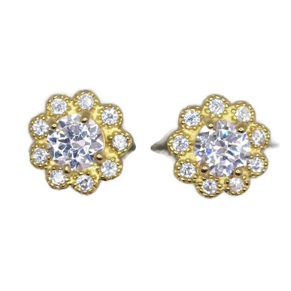 Brand New Yellow gold on 925 Silver Studs Earrings Flower Design with round white CZ ( 9 . 4 mm )