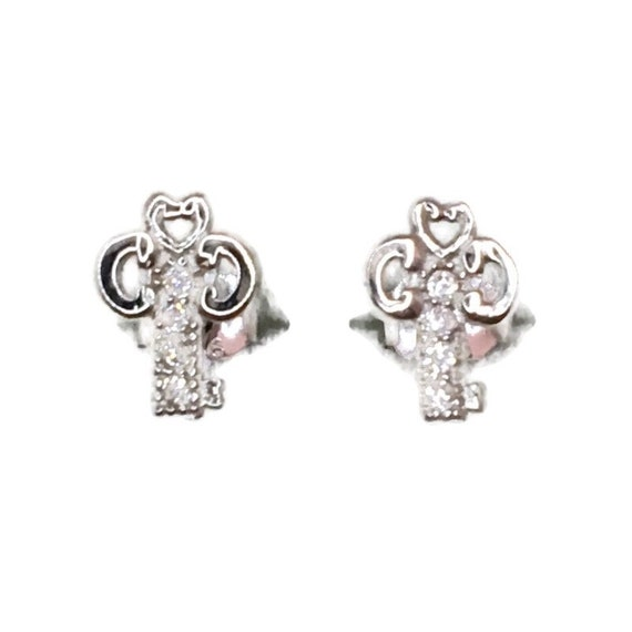 Brand New white gold on 925 Silver Studs Earrings small Key with white round CZ ( 5 . 2 mm )
