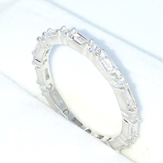 New Handcraft White Gold Plated on Sterling Silver eternity ring band with emerald and round white CZ