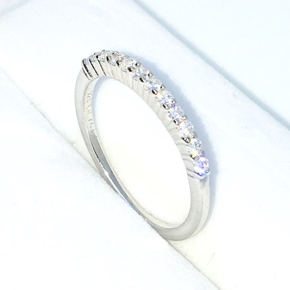 New Handcraft White Gold Plated on Sterling Silver thin ring band with row of 4 prong small white round CZ