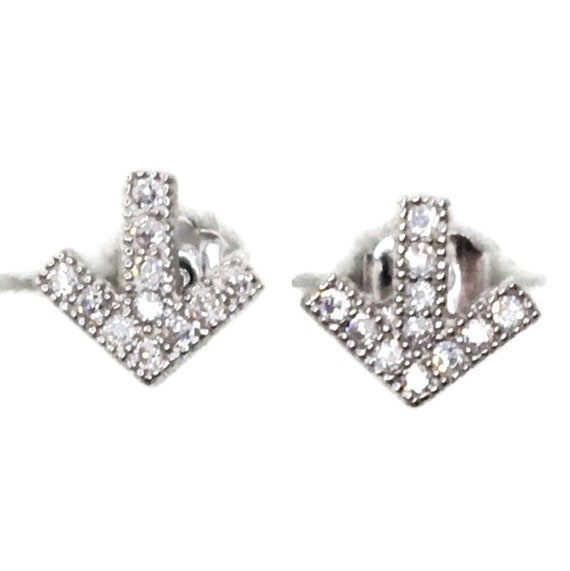 Brand New white gold on 925 Silver Studs Earrings Small Direction Arrow with white round CZ ( 6 . 6 mm )