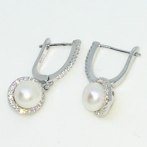 14k White Gold Layered Hanging CZ enclosed Pearl on 925 Solid Sterling Silver Dangle Drop Earrings ( 9 . 6 mm )