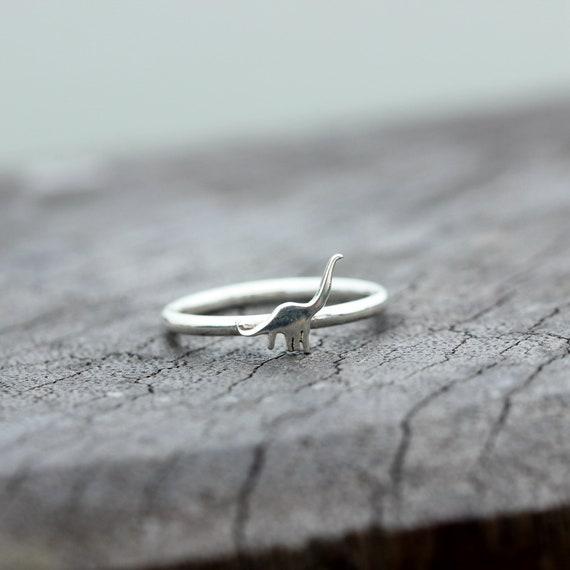 the dinosaur ring,dainty dinosaur ring,minimalist jewelry,dinosaur jewelry dargon ring