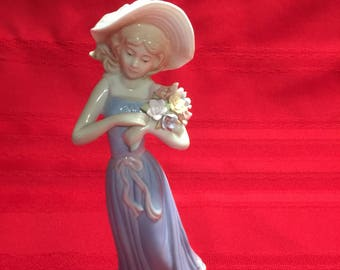 HOUSE OF LLOYD figurine 1998 vintage vtg gathering flowers floral bonnet hat blue dress statue sculpture life most cherished moments gift