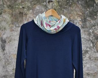 """Modal """"Flower"""" - women Sweatshirt"""
