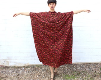 1960's Brown and Pink Little Daisy Floral Caftan
