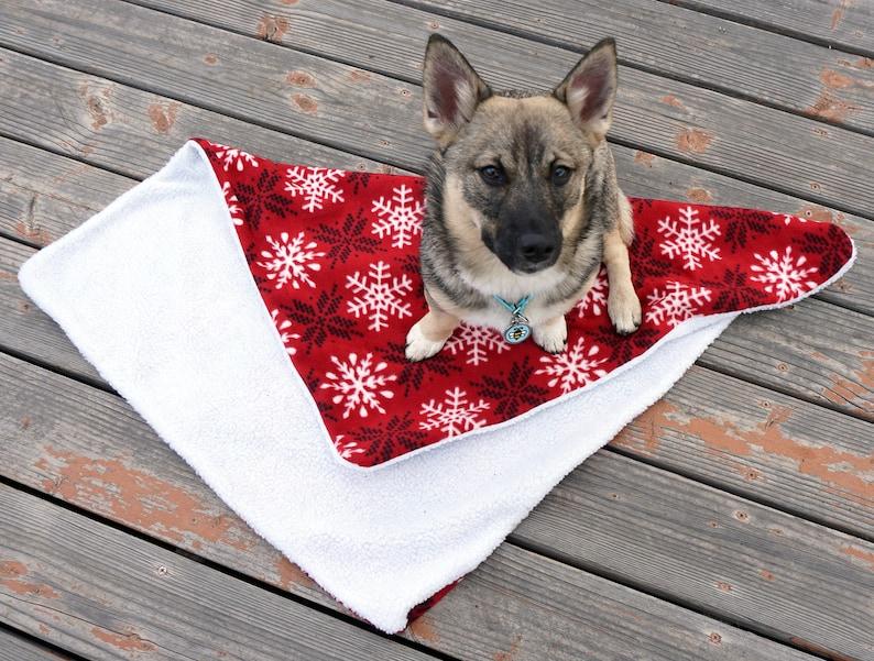Fleece Black and Red Snowflakes Doggie Blanket