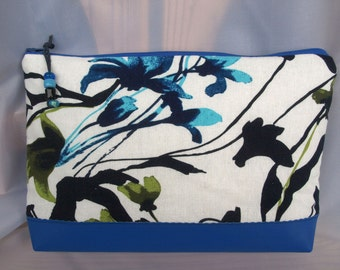 cosmetic bag, utility pouch *** blue linen ***