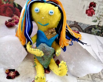 Halo The Happy - Herb-stuffed Poppet - Happiness Voodoo Spirit Doll with Taglock Pouch - Citrine and Chrysocolla - Uplifting Vibes - Goddess
