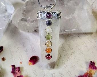 Rainbow Moonstone with Seven Chakra Crystals - Reiki Healing Crystal Necklace - Gemstone Point - Polished - Spiritual & Meditation Jewelry 3