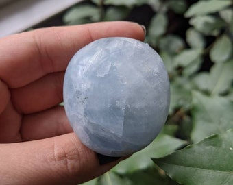BLUE CALCITE - Palm Stone - Meditation Crystal - Third Eye Reiki Healing Crystal - Soothing, Cleansing, Anxiety Help - Altar Decoration #5BC