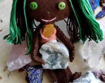 Daphnaeae The Dryad - Herb-stuffed Poppet - Grounding Spirit Doll/Voodoo Doll with Taglock Pouch - Moss Agate, Orange Jasper - Root Chakra