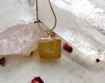 Druzy Agate Pendant Necklace - Gold Plated - Reiki Healing Crystal Jewelry - Gemstone - Polished - Spiritual, Meditation