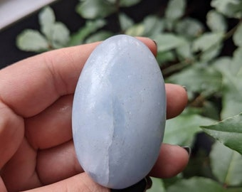 BLUE CALCITE - Palm Stone - Meditation Crystal - Third Eye Reiki Healing Crystal - Soothing, Cleansing, Anxiety Help - Altar Decoration #4BC