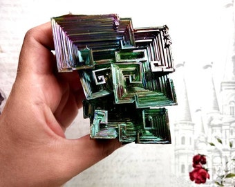 SALE - BISMUTH - 81 mm, 343 grams - Meditation Stone for Astral Projection, Divination, Out of Body Experience - Specimen Stone - Rainbow