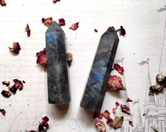 "LABRADORITE - Flashy Obelisk - ""Magic"" Stone - Specimen Stone - Chakra Crystal - Psychic Strength, Protection, Astral Projection"