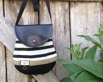 Small handbag bandouillière nautical style.