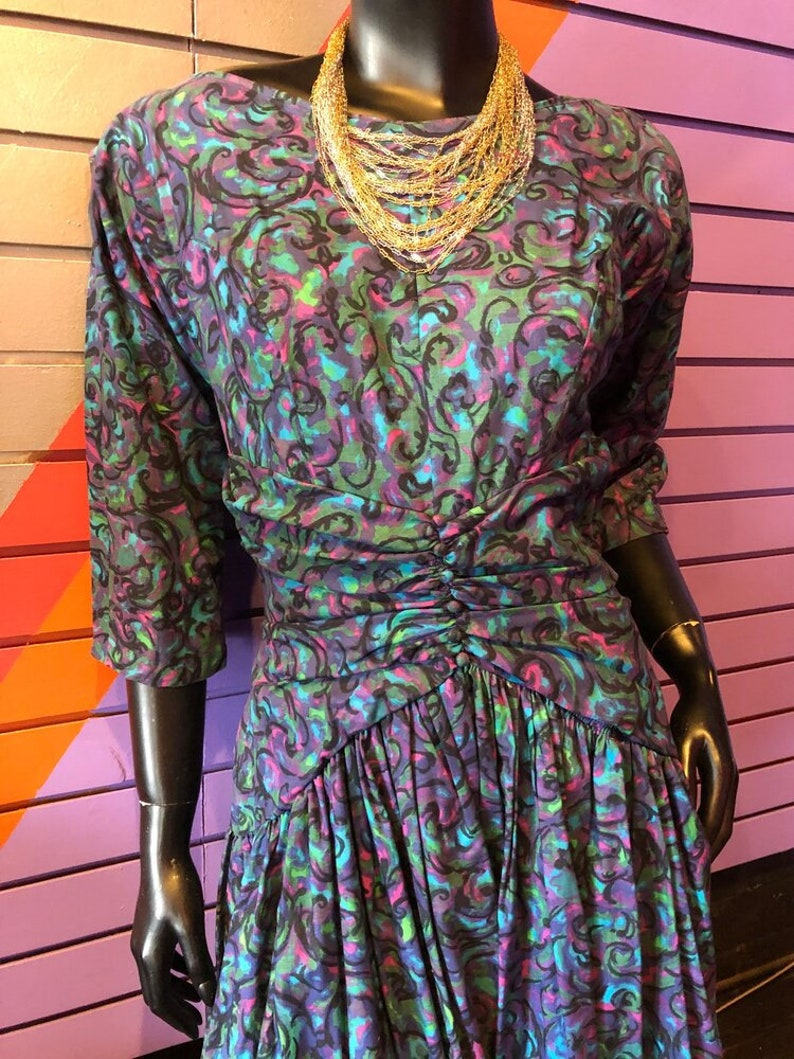 Blue Purple and Pink Swirly Full Skirt Dress with Back Bow and Plunging Back Line Green Vintage 50s Dress