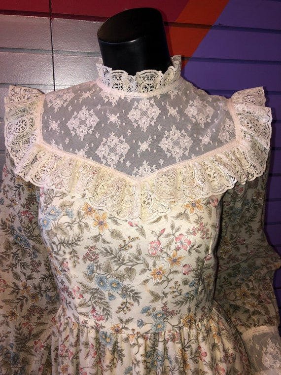 Vintage 70s Prairie Dress - Handmade Floral and L… - image 3
