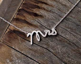 Mrs Necklace // Mother's Day // Wife Necklace // Wedding // Marriage