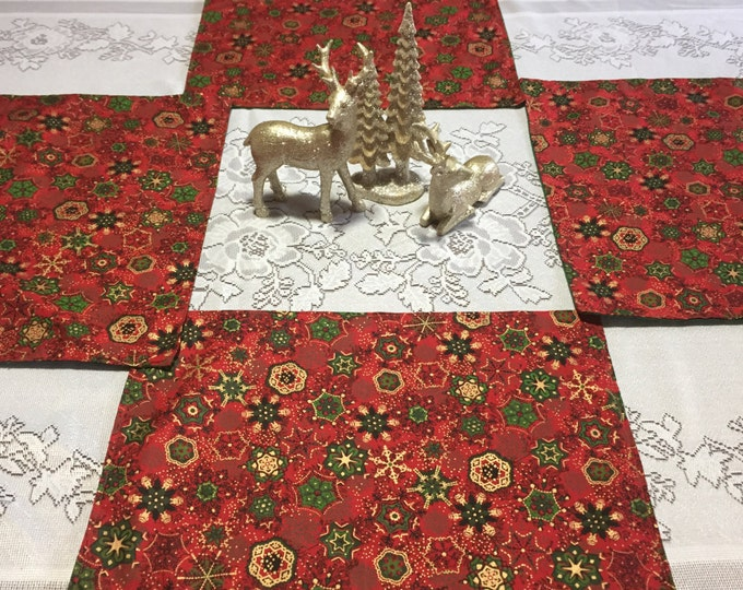 Red Placemats, Christmas Placemats, Red Place Mats, Red Snowflake Fabric, Christmas Table Mats, Winter Placemats, Set of 4 Placemats
