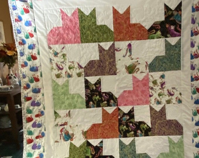 Cat Quilt, Twin Size Quilt, Cat Lover Gift, Quilts and Coverlets, Comforter, Twin Bedding, Colorful Print, Cats Meow, Handmade Quilt