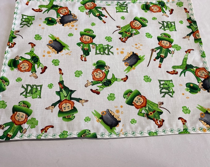 Green and White Placemats, Green Placemats, Leprechaun, Shamrock Placemats, Lucky Green Placemats, Luck of the Irish, Green Shamrocks