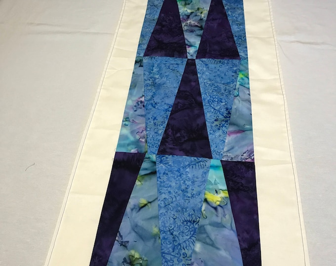 Purple Table Runner, Purple Table Decor, Purple Batik Fabric, Geometric Table Runner, Modern Table Runner, Housewarming Gifts, Wedding Gifts