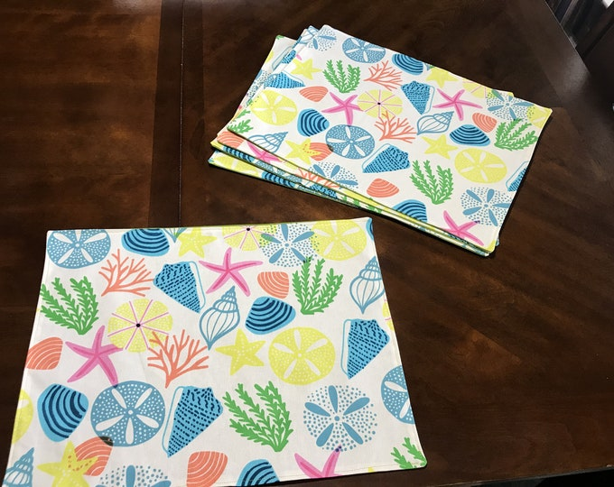 Colorful Table Decor, Beach Table Decor, Beach Themed Decor, Colorful Placemats, Colorful Table Mats, Housewarming Gifts, Seashell Placemats