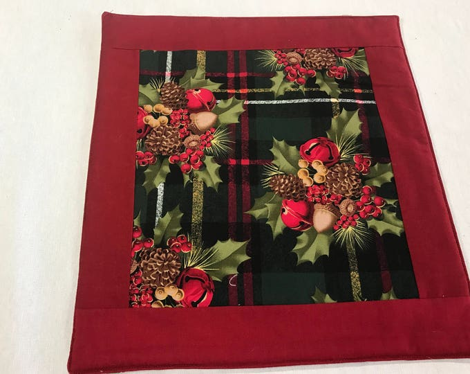 Square Placemats, Red Placemats, Placemats Square, Square Table Mats, Reversible Placemats, Christmas Placemats,Winter Placemats,Holly Leafs