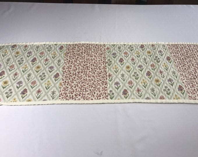 Reversible Table Runner, Quilted Reversible Table Runner, Floral Table Runner, Table Runner Reversible, Housewarming Gifts, Gifts for Mom