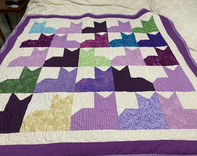 Small Cat Quilt, Lap Quilt, Cat Lover Gift, Small Quilts, Small Crib Quilt, Toddler Bedding, Colorful Print, Cats Meow, Handmade Quilt