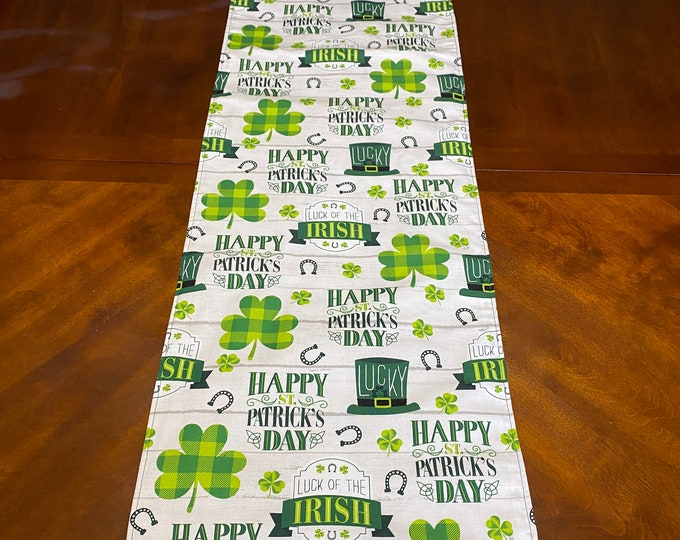 St Patricks Day Decor, Shamrock Decor, St Patricks Day Table Runner,  Reversible Table Runner, St Patricks Runner, Shamrock Runner