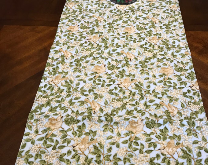 Blue Green Table Runner, Blue Table Runner, Green Leaf Table Runner, Green Blue Table Runner, Winter Birds, Christmas Runner, Winter Runner